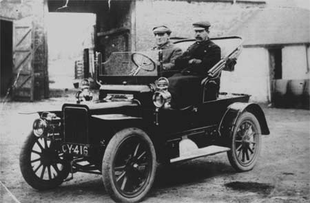 First car in Llangadog